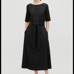 NWOT COS jersey midi dress with belt